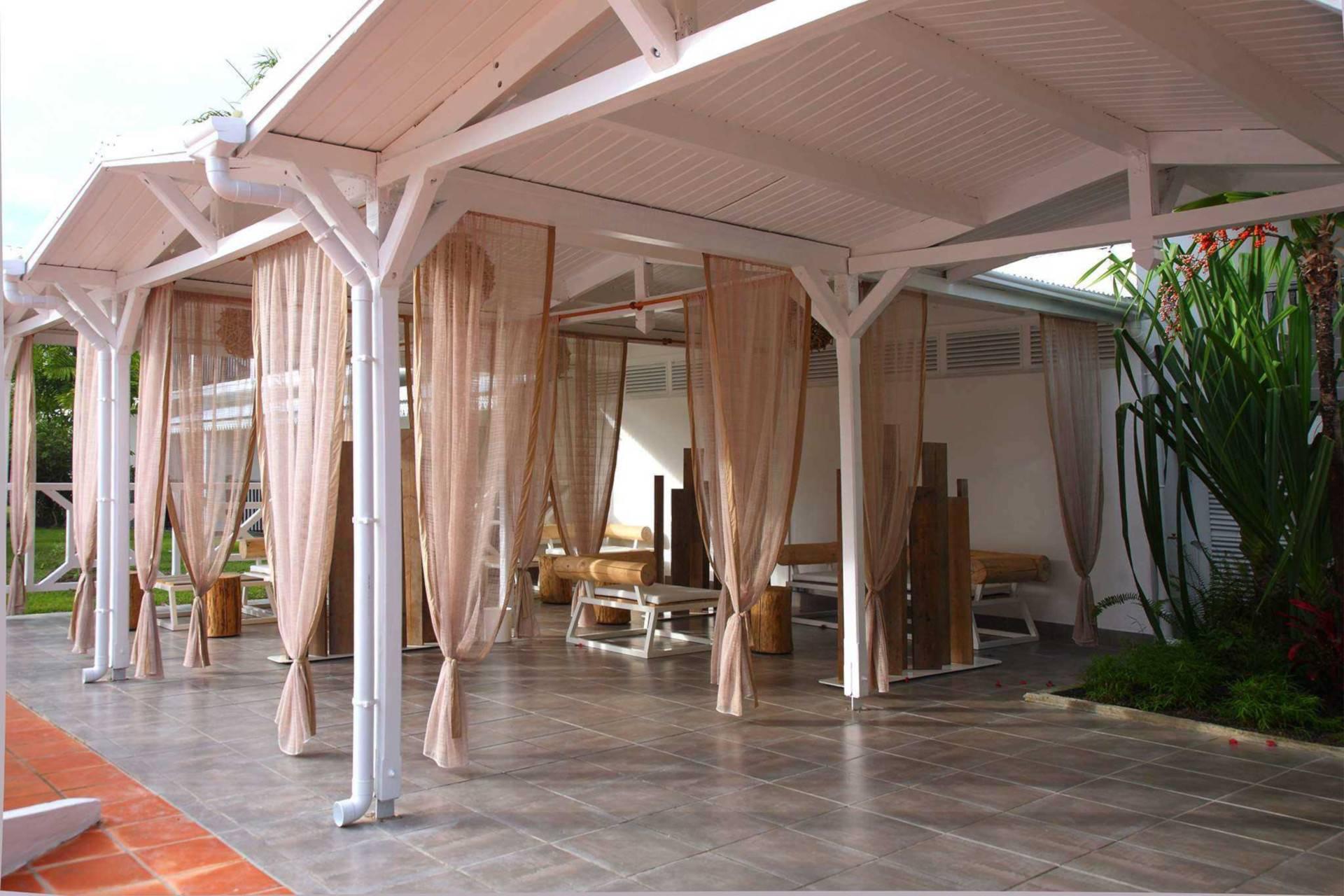 HOTEL GUADELOUPE BWA CHICK HOTEL & GOLF
